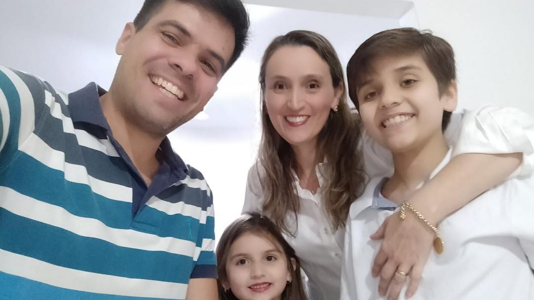 EM BUSCA DO CONHECIMENTO PARA A CURA